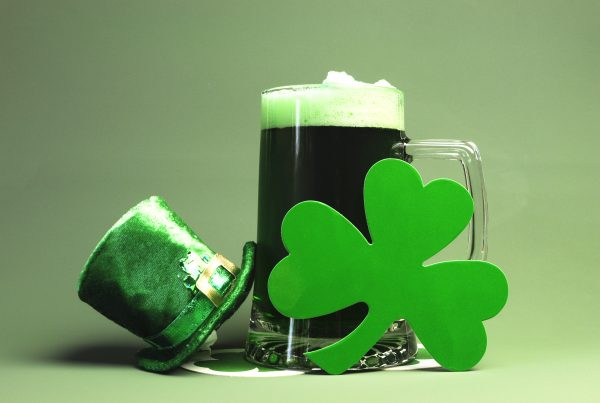 st-patricks-day-beer-and-decor